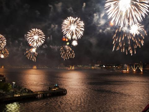 Lighting up the night with Macy's Fourth of July Fireworks